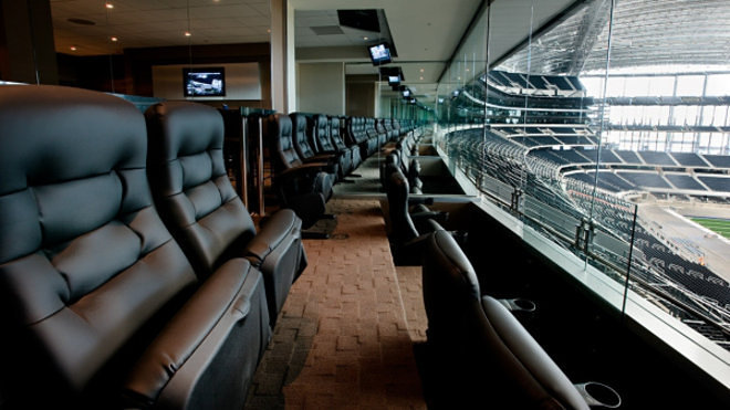 NFL Luxury Suites: Touring the Most Tricked-Out Stadium ...
