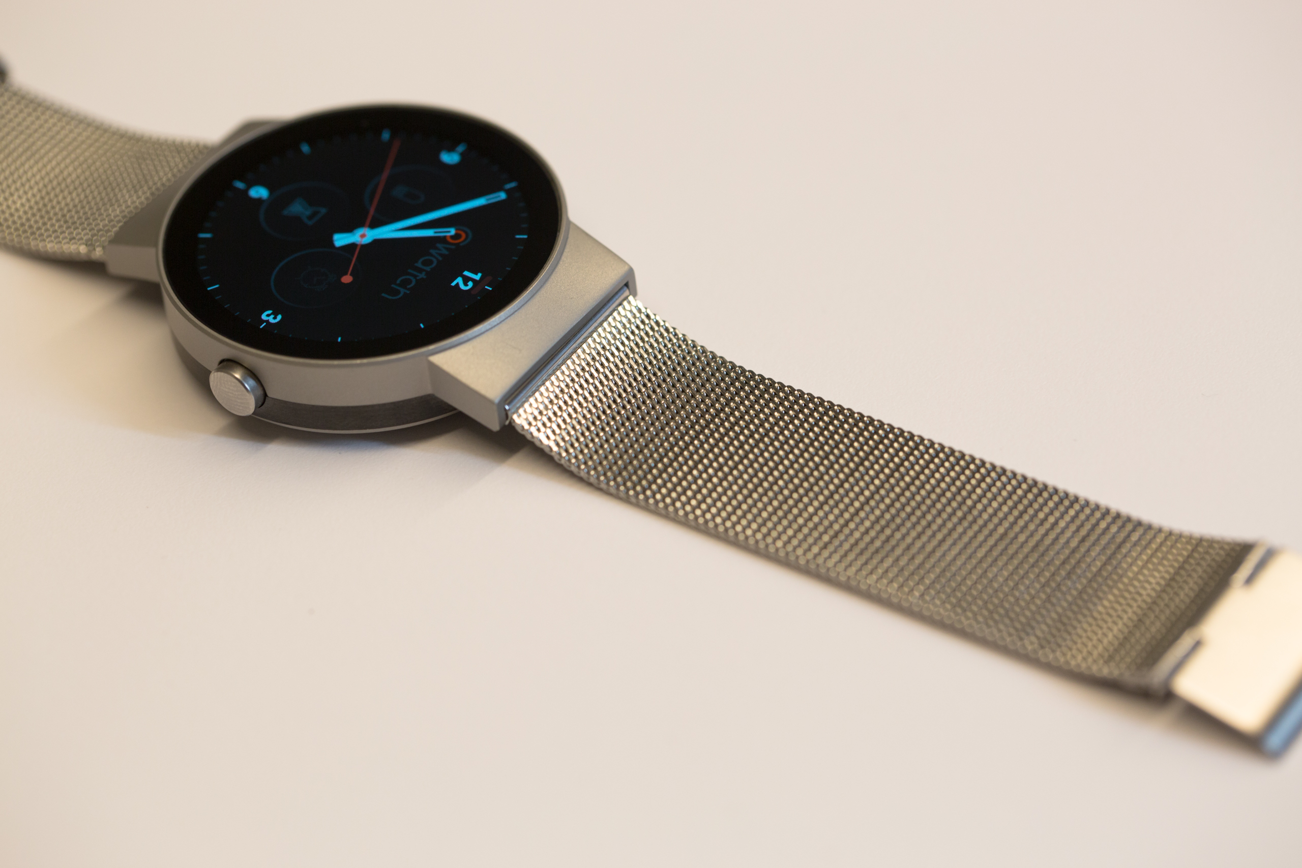 cowatch-cronologics-alexa-smartwatch-IMCO