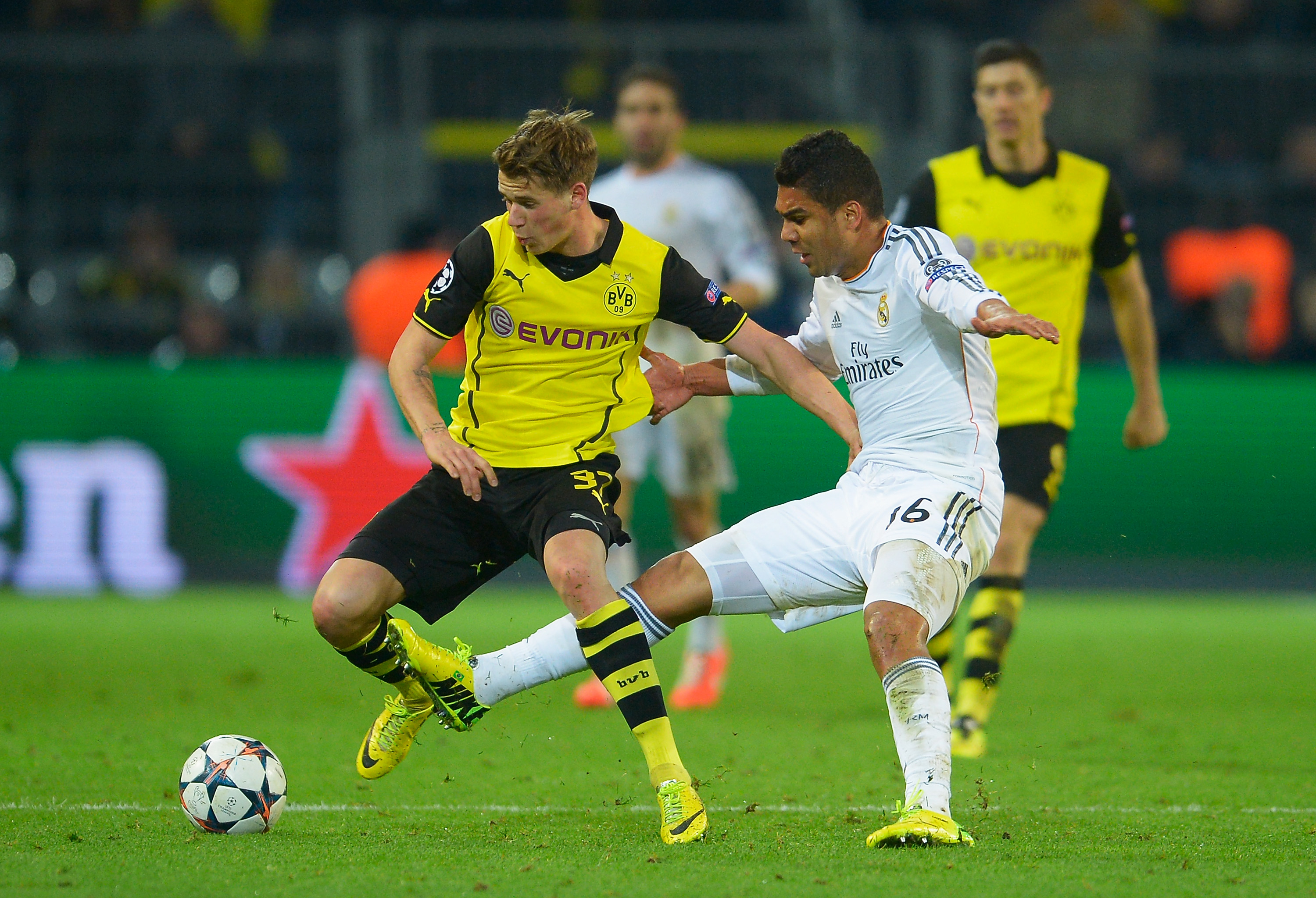 Real Madrid and Dortmund draw 2-2 in pulsating match