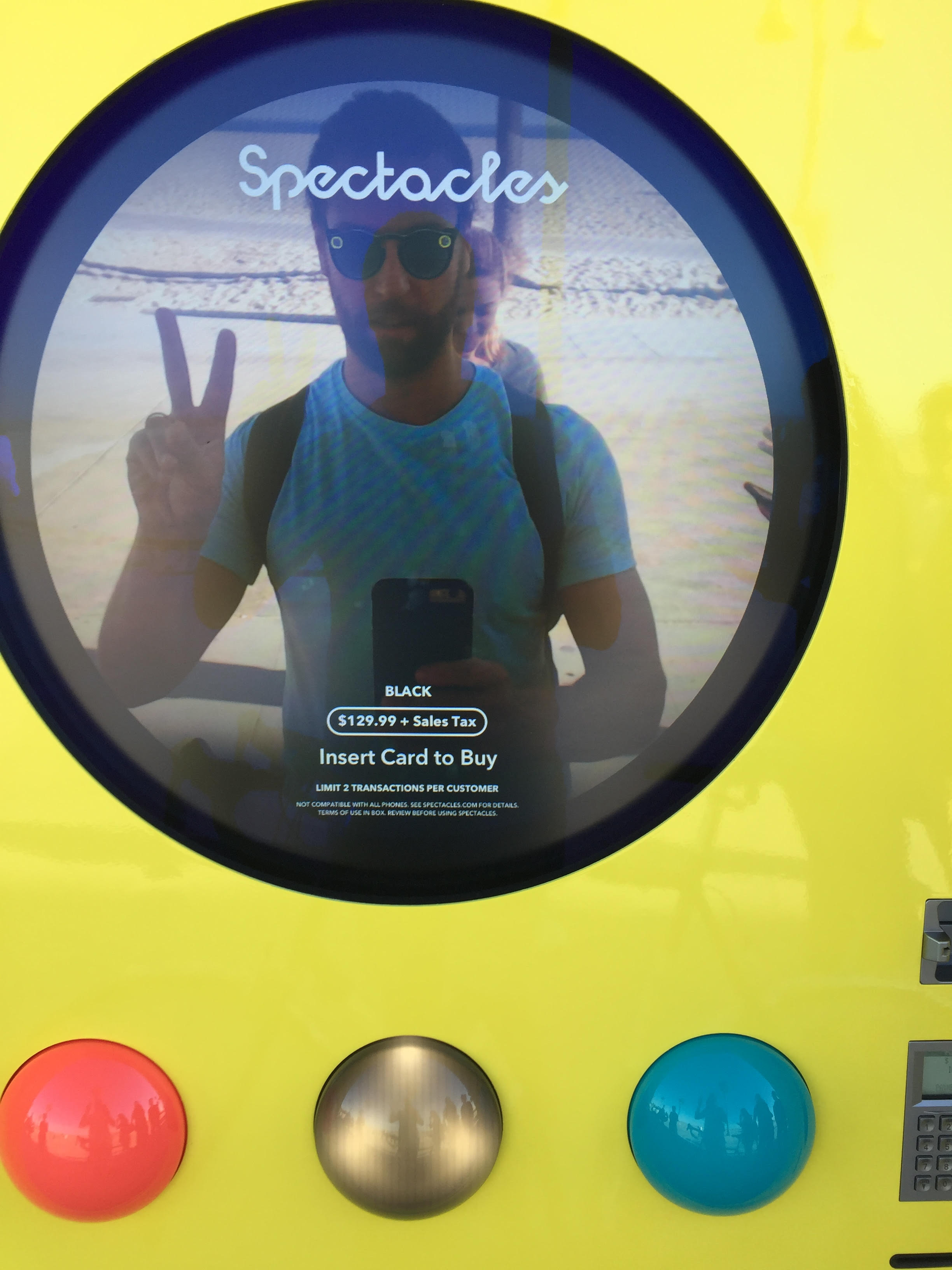 spectacles vending machine