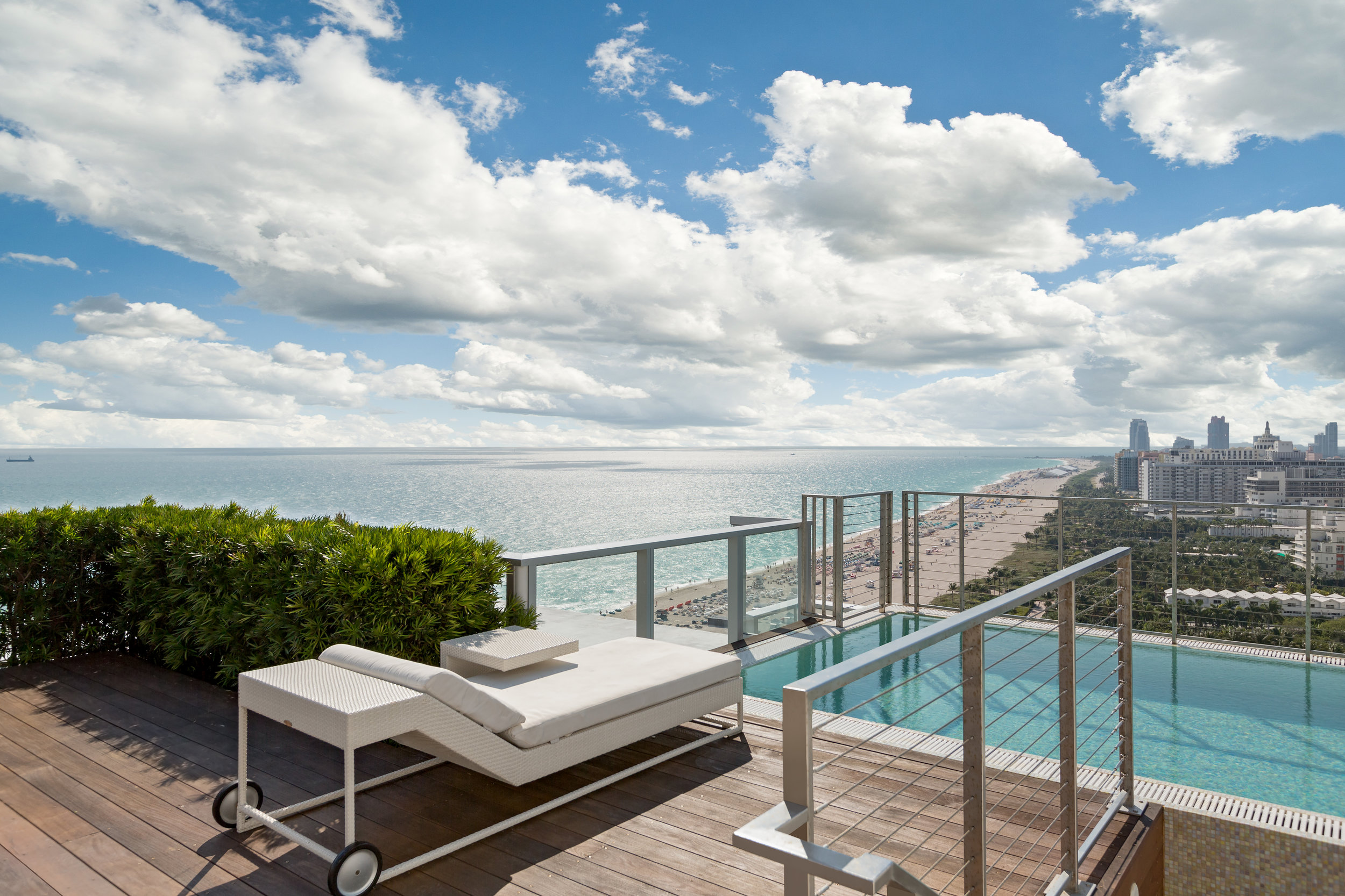 spectacular penthouse at w south beach for 15m curbed miami. Black Bedroom Furniture Sets. Home Design Ideas
