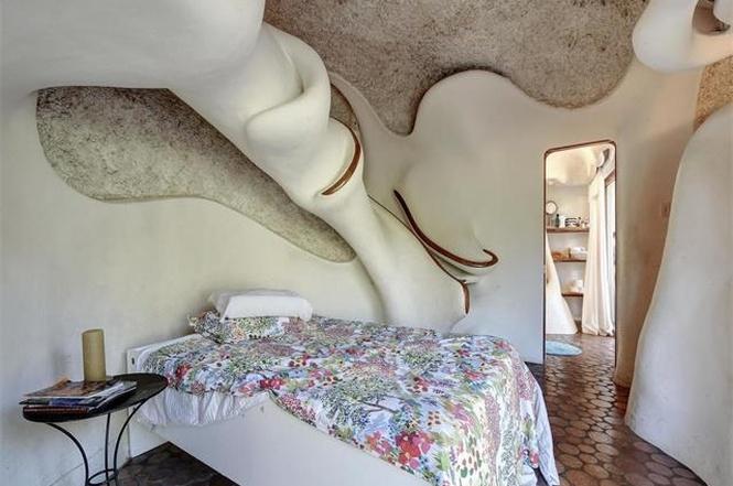 Fantastical Home In West Lake Woods Asks 695k Curbed Austin