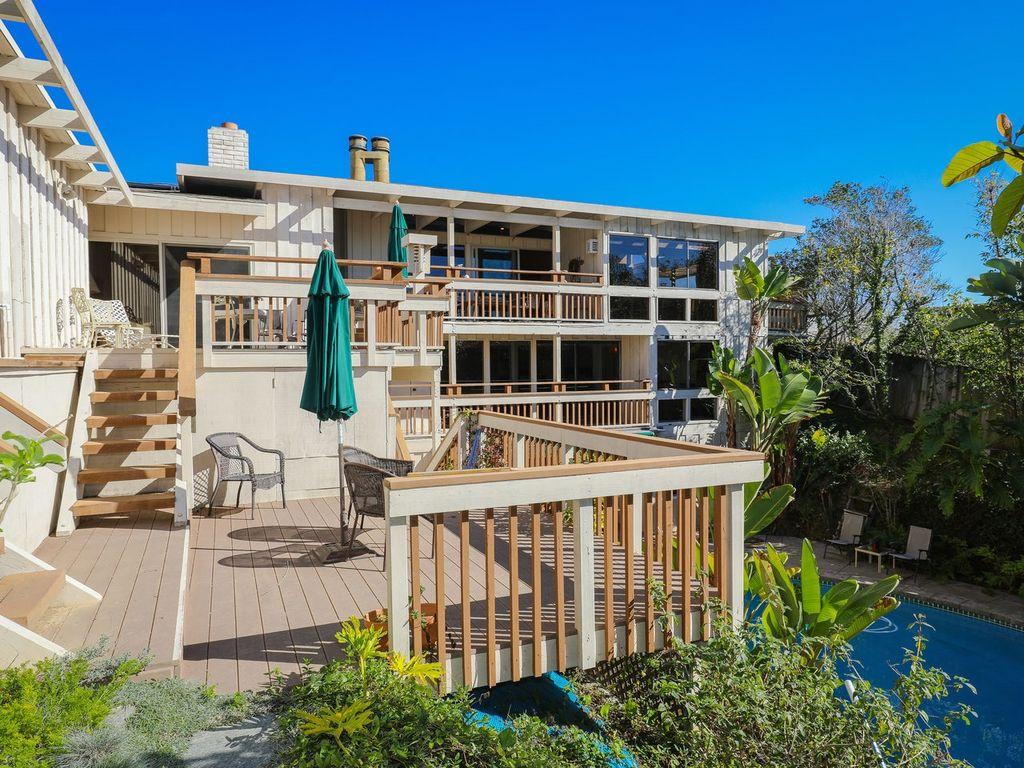 Split Roof Design: 3 Groovy San Diego Midcentury Homes To Snag