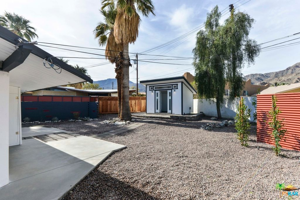 Midcentury Bungalow In Cali Desert Can Be Yours For 250k