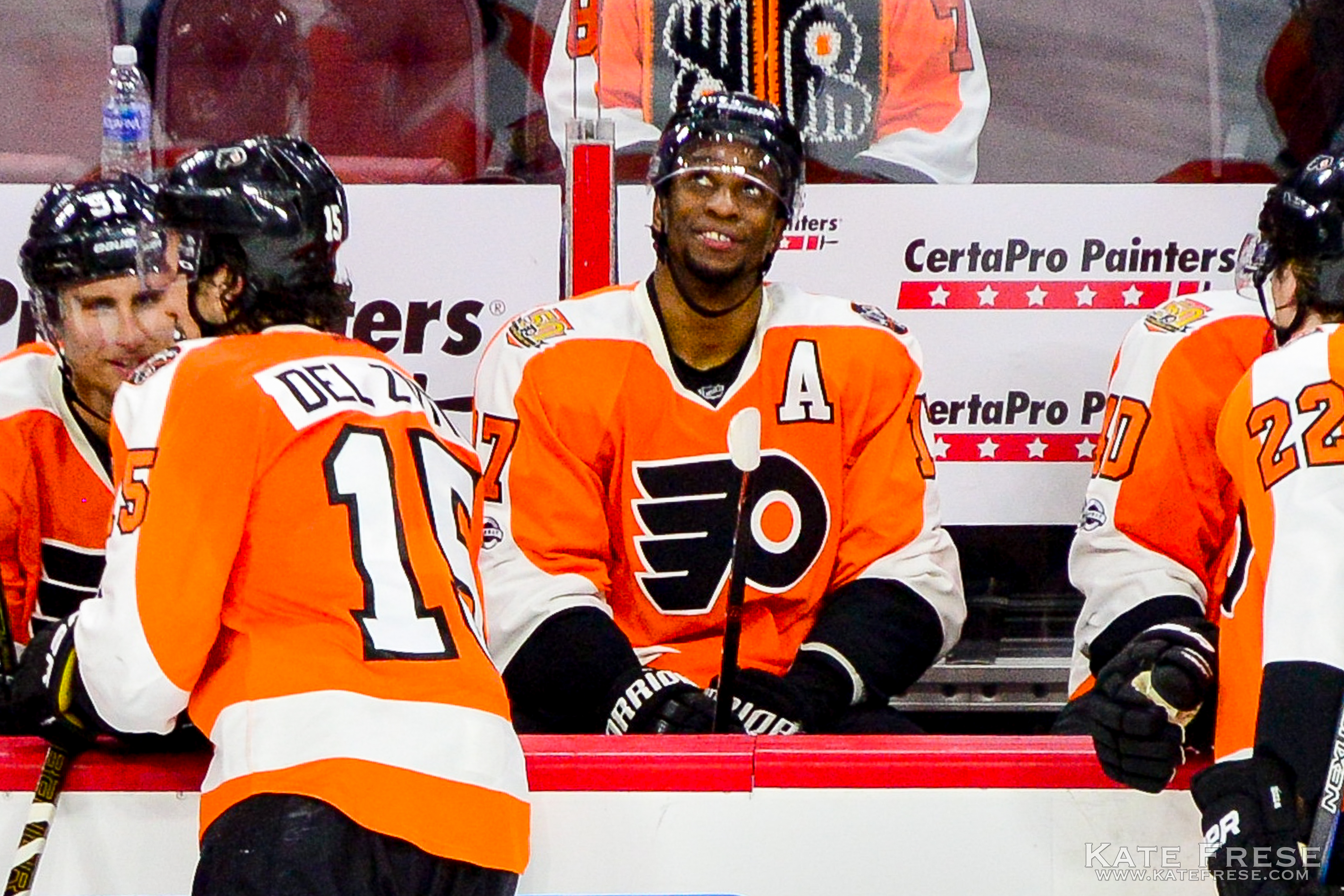 The best photos from the Flyers shootout win against the