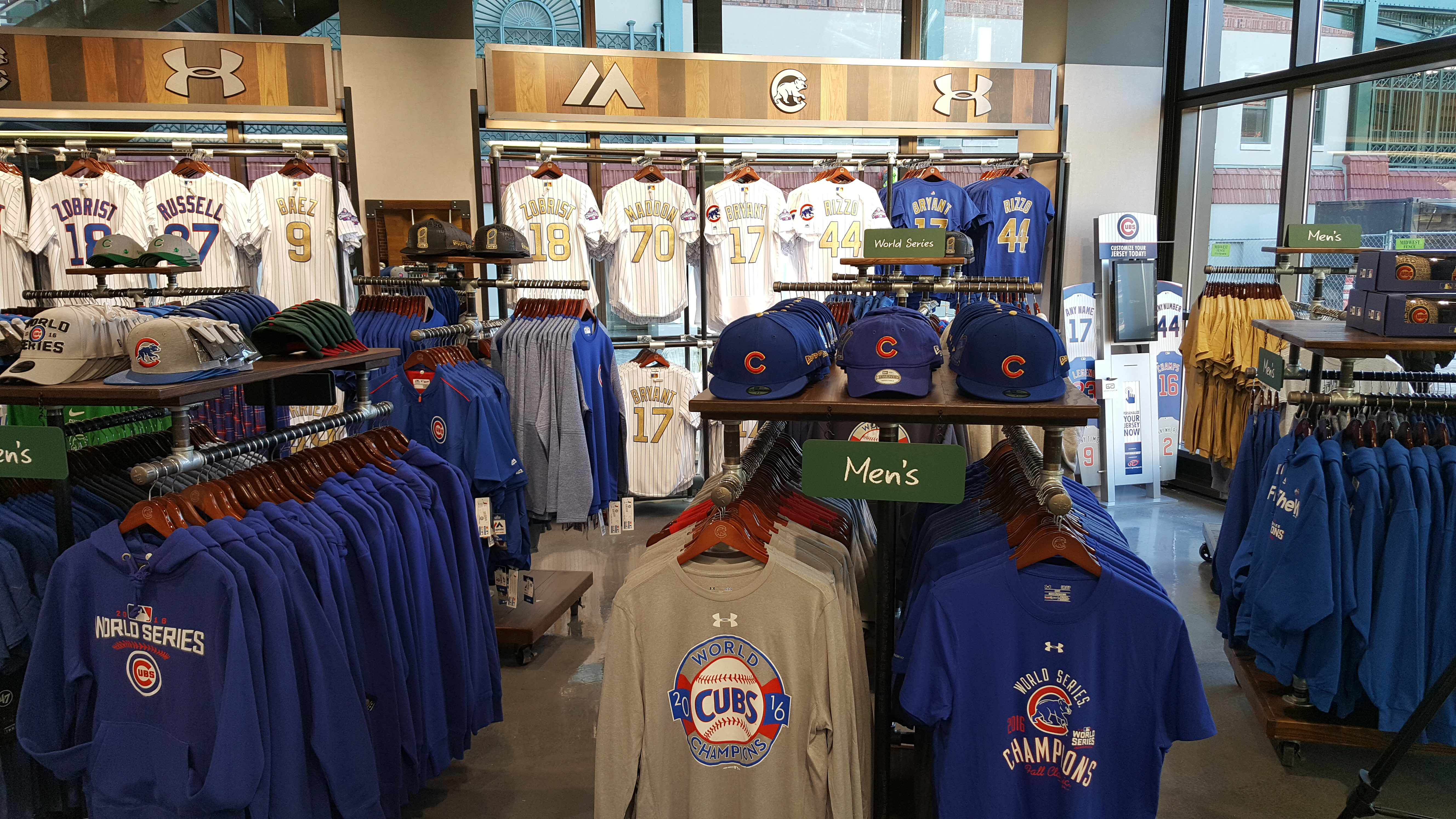 A Peek Inside The Cool New Cubs Store - Bleed Cubbie Blue