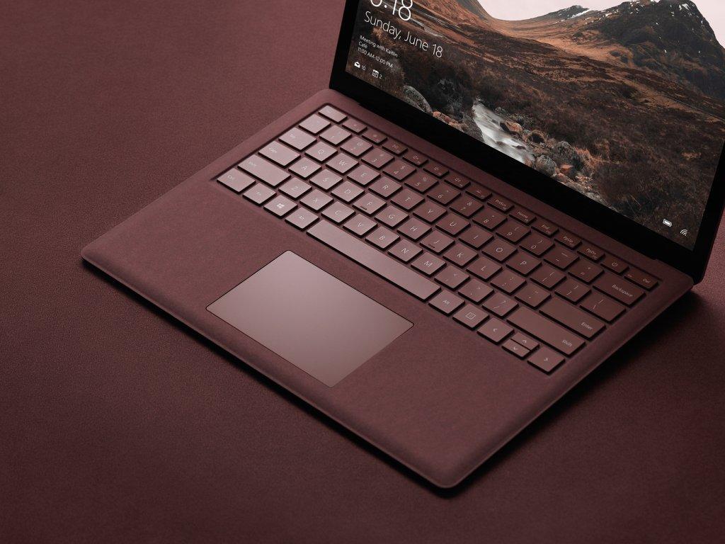 Hãng sản xuất Microsoft trình làng máy tính Surface, giá 999 USD, được cài đặt Windows 10 S 2