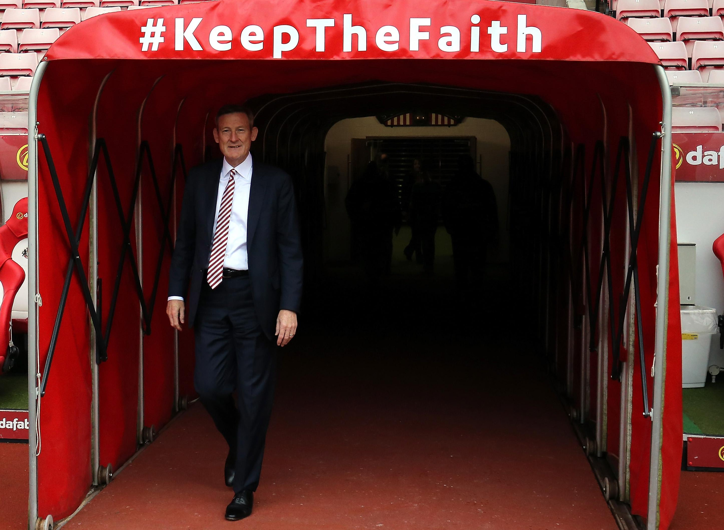Man City thrash Palace to move into third place