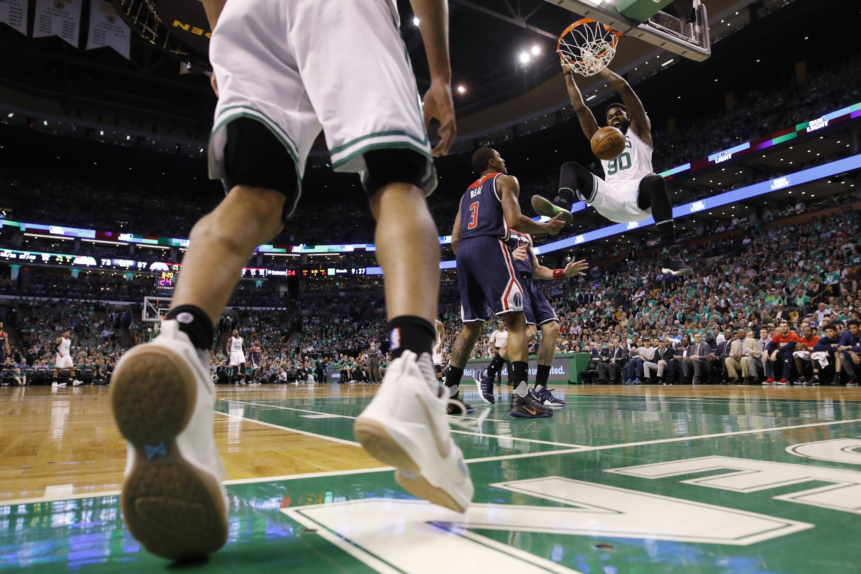 Celtics rout Wizards on home court to takes series lead