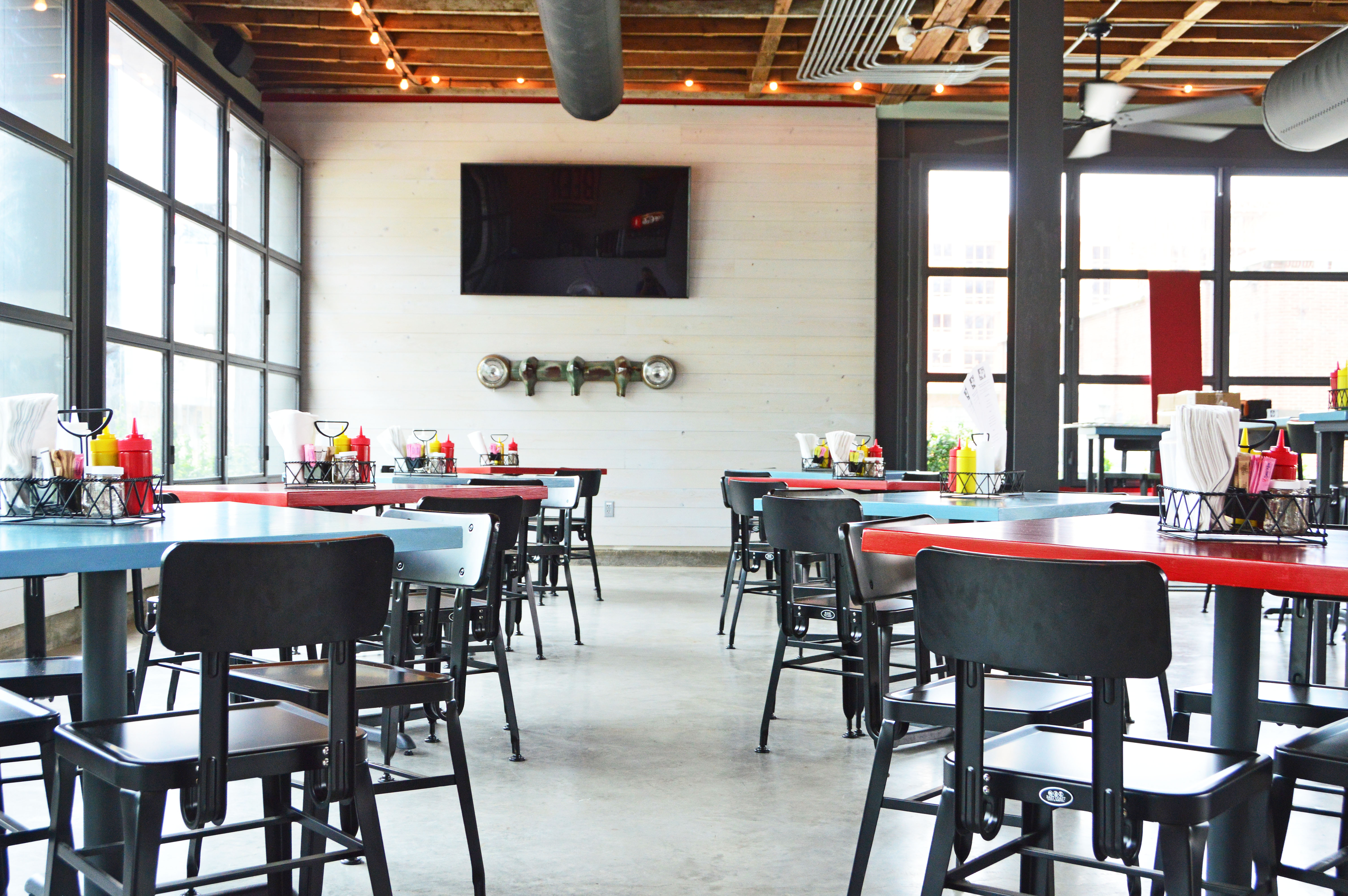 Step Inside FM Kitchen + Bar, Houston\'s Hottest New Spot For Patio ...