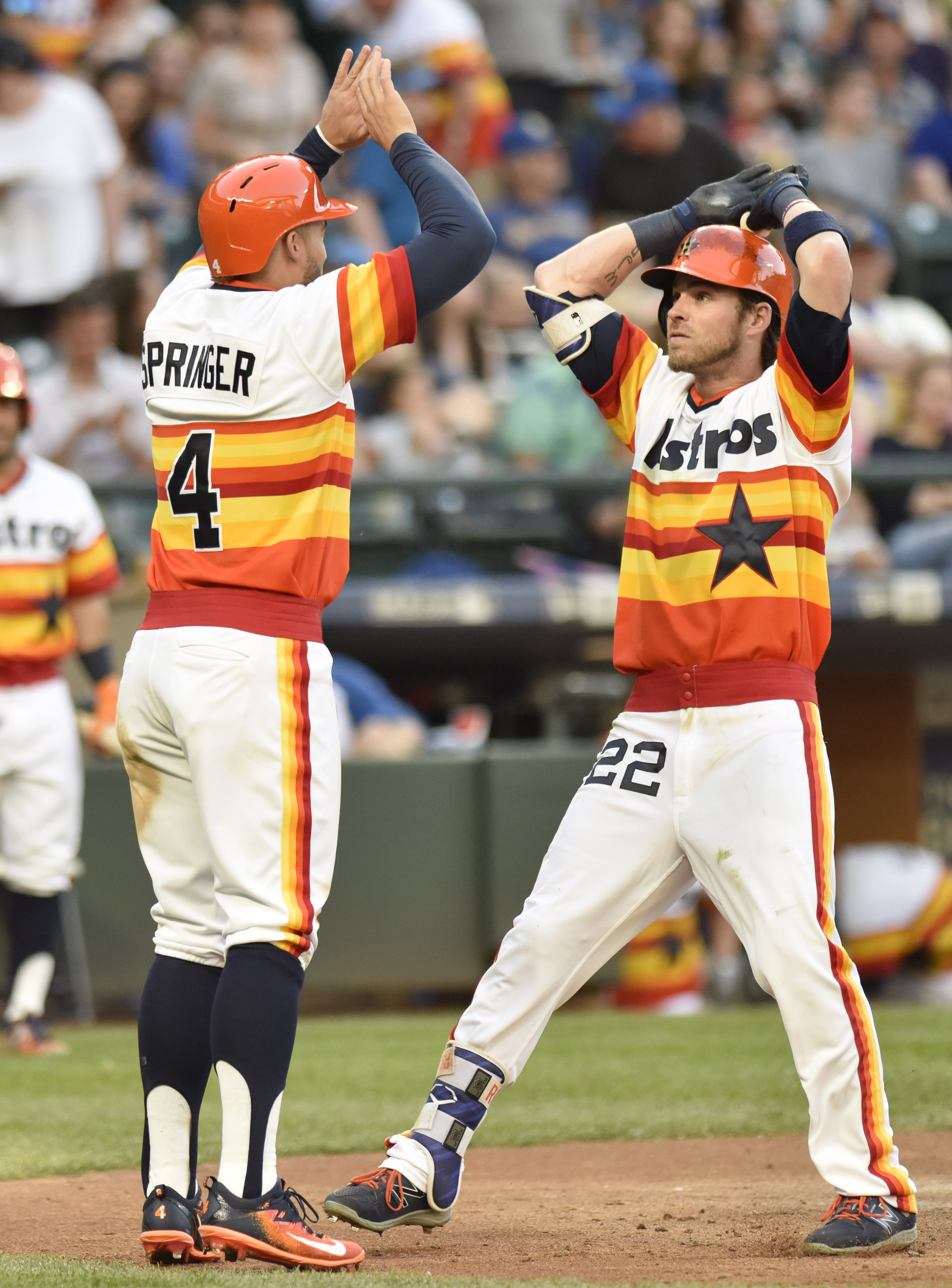 c7b873040dd Astros wear throwback uniforms in Seattle - The Crawfish Boxes