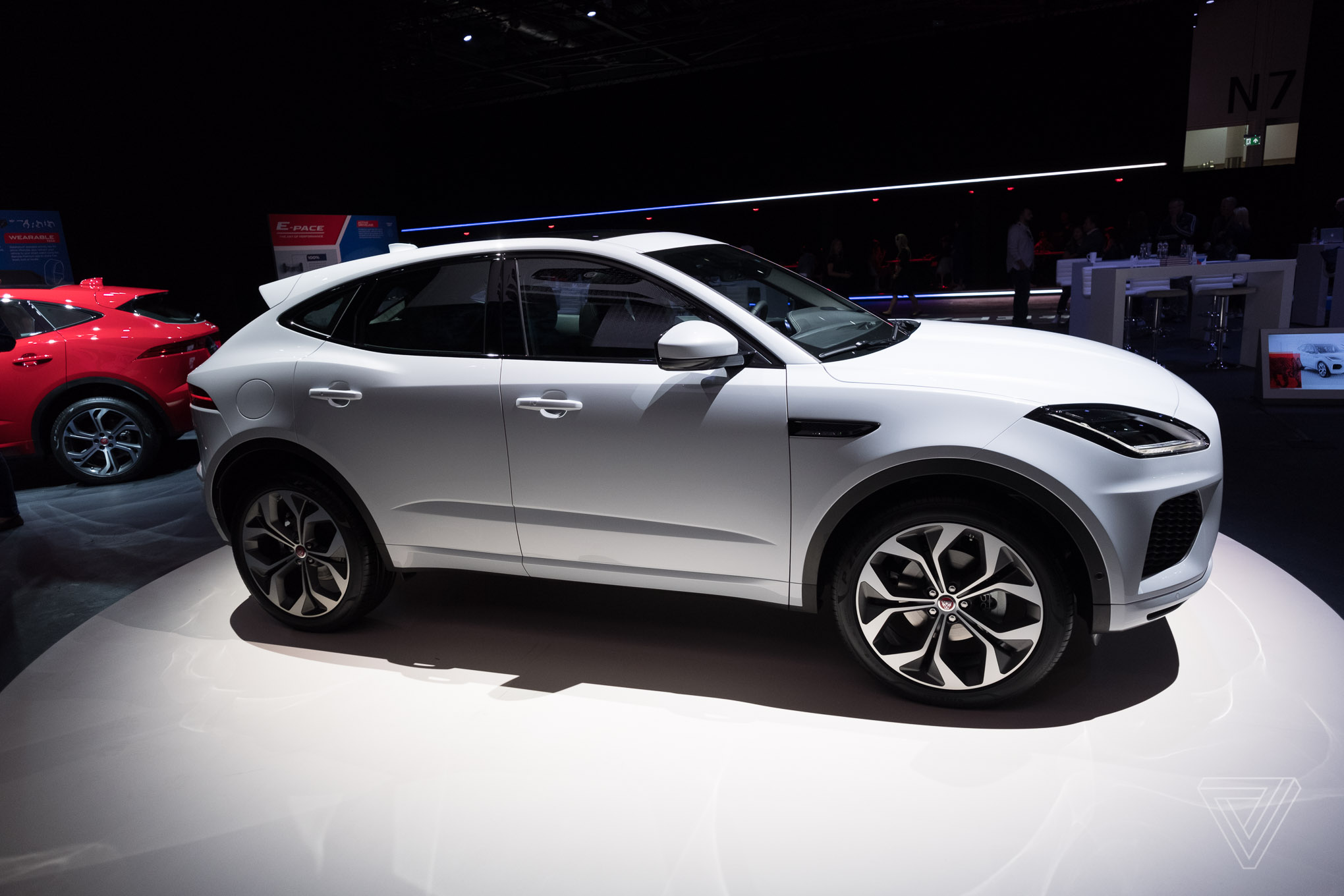 jaguar reveals e pace the crossover suv for millennial couples my cms. Black Bedroom Furniture Sets. Home Design Ideas