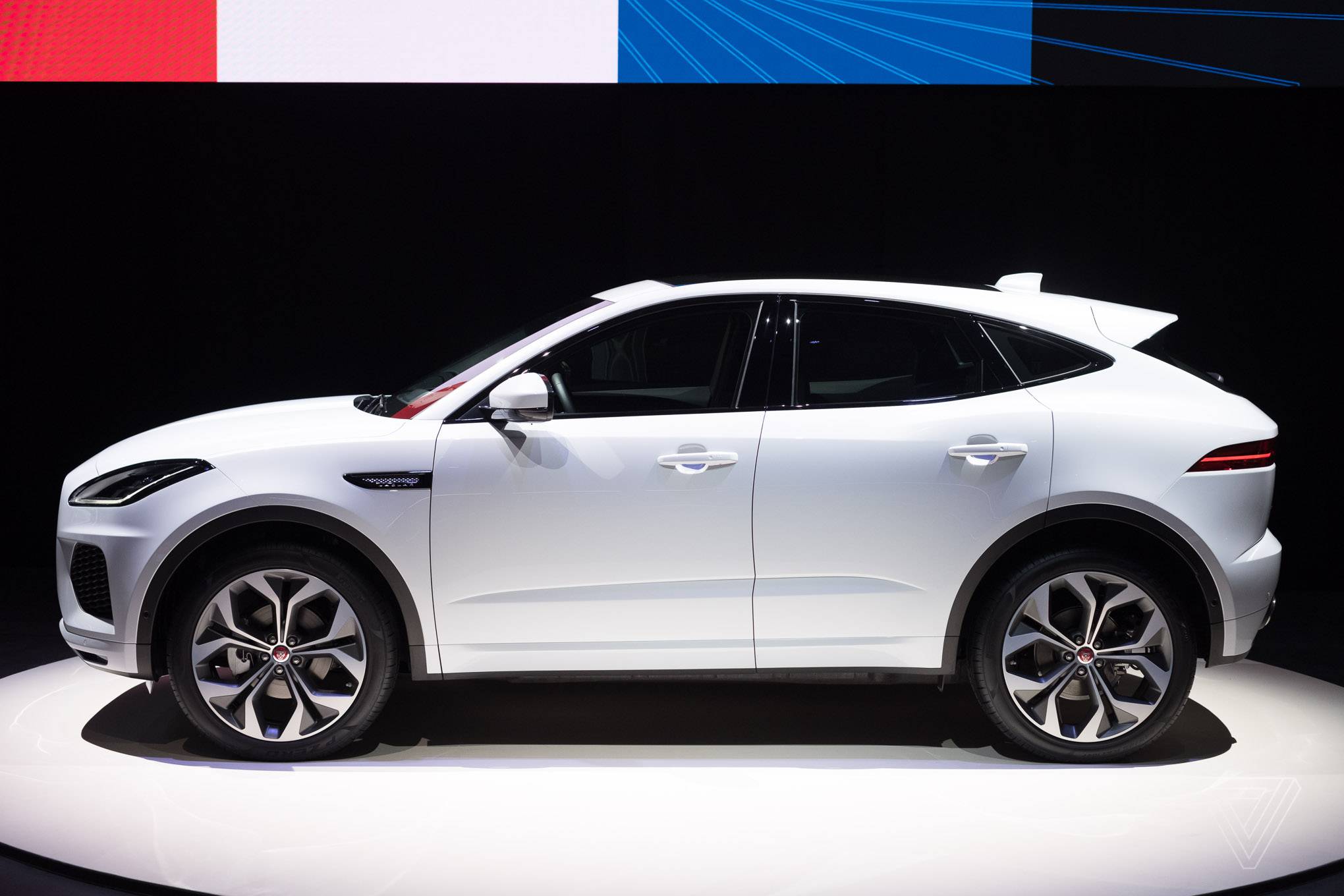 jaguar reveals e pace the crossover suv for millennial couples the verge. Black Bedroom Furniture Sets. Home Design Ideas