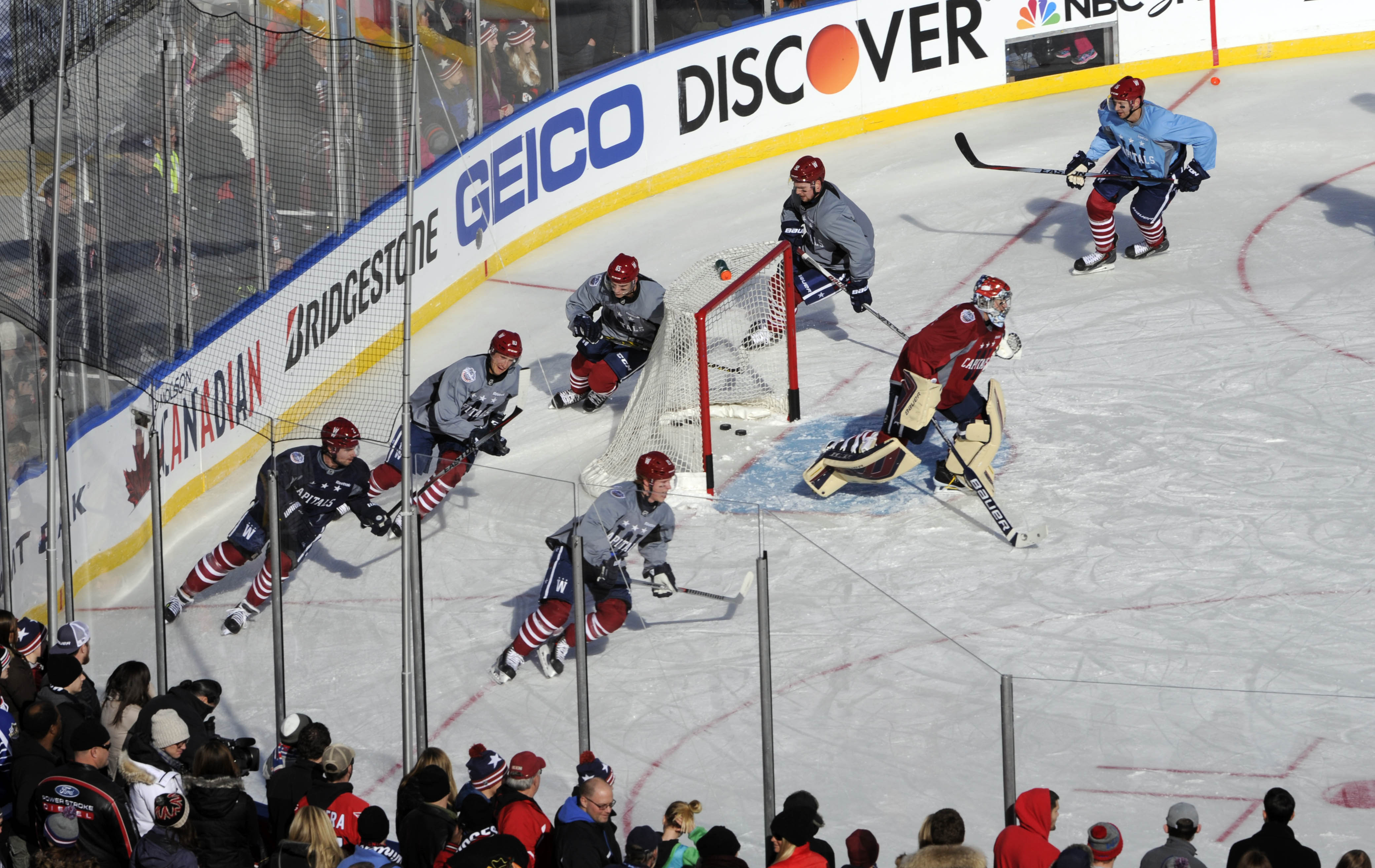 New Years Eve is practice day at the Winter Classic. The Washington Capitals  and Chicago Blackhawks took to the ice at Nationals Park to get a feel for  ... 39c163861