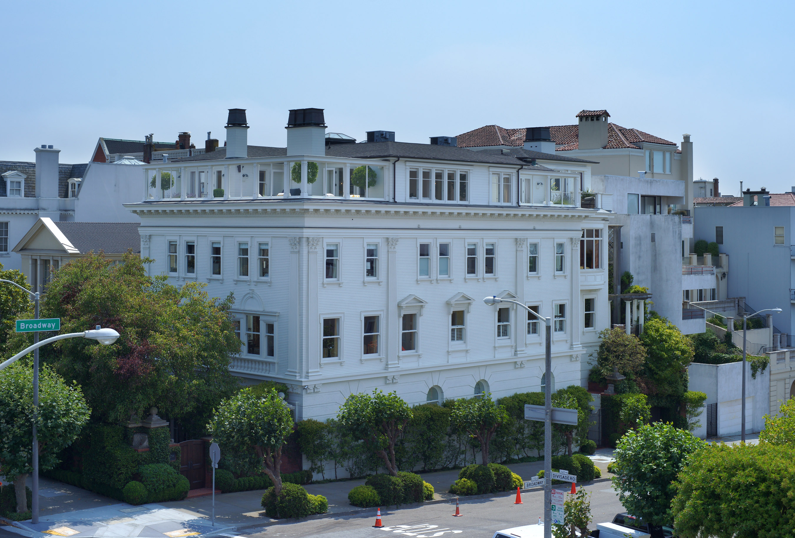 Billionaires row curbed sf for Mansions in san francisco for sale
