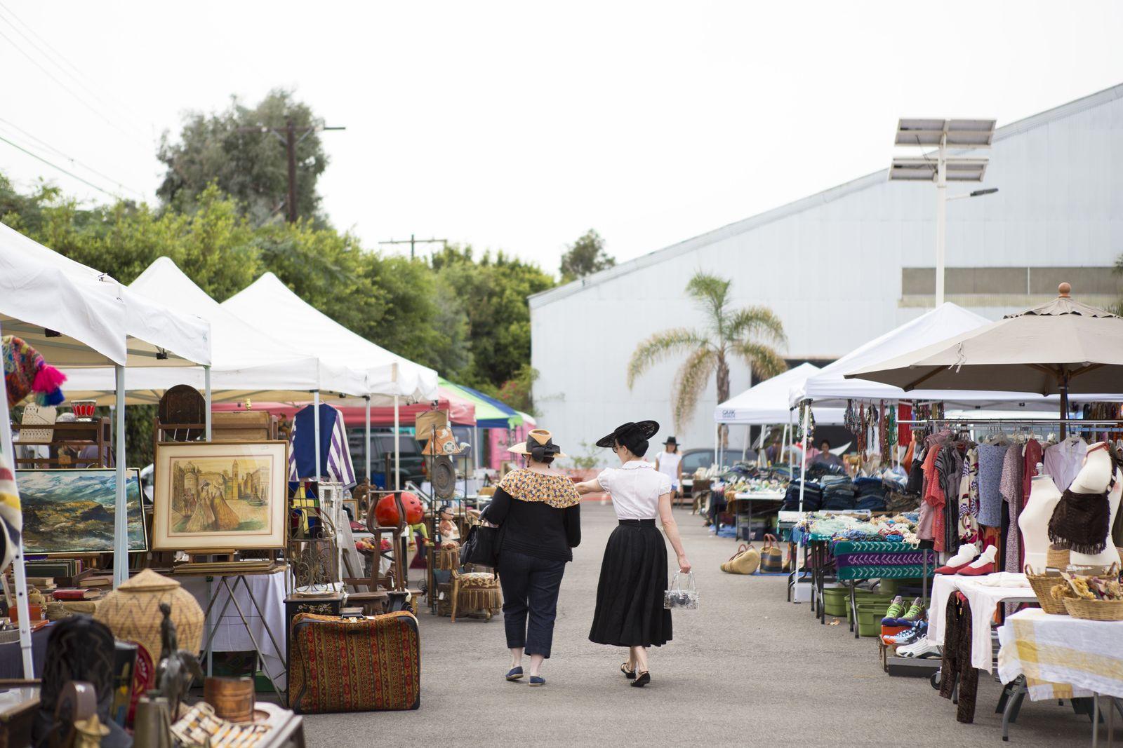La s best flea markets for vintage treasure hunting for Antique fairs and flea markets 2016