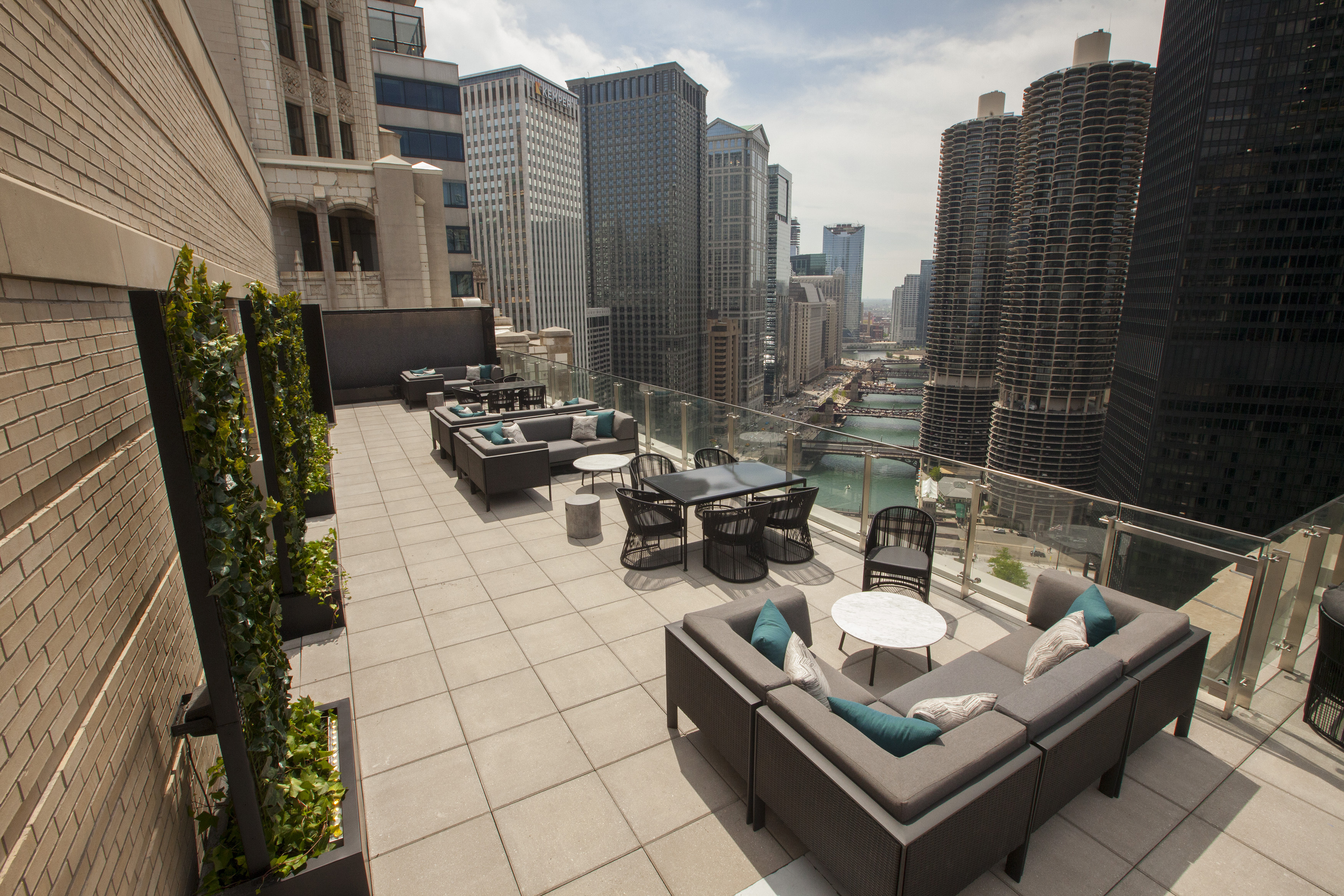 Chicago 39 s 14 hottest rooftop bars and terraces mapped for Rooftop bar and terrace
