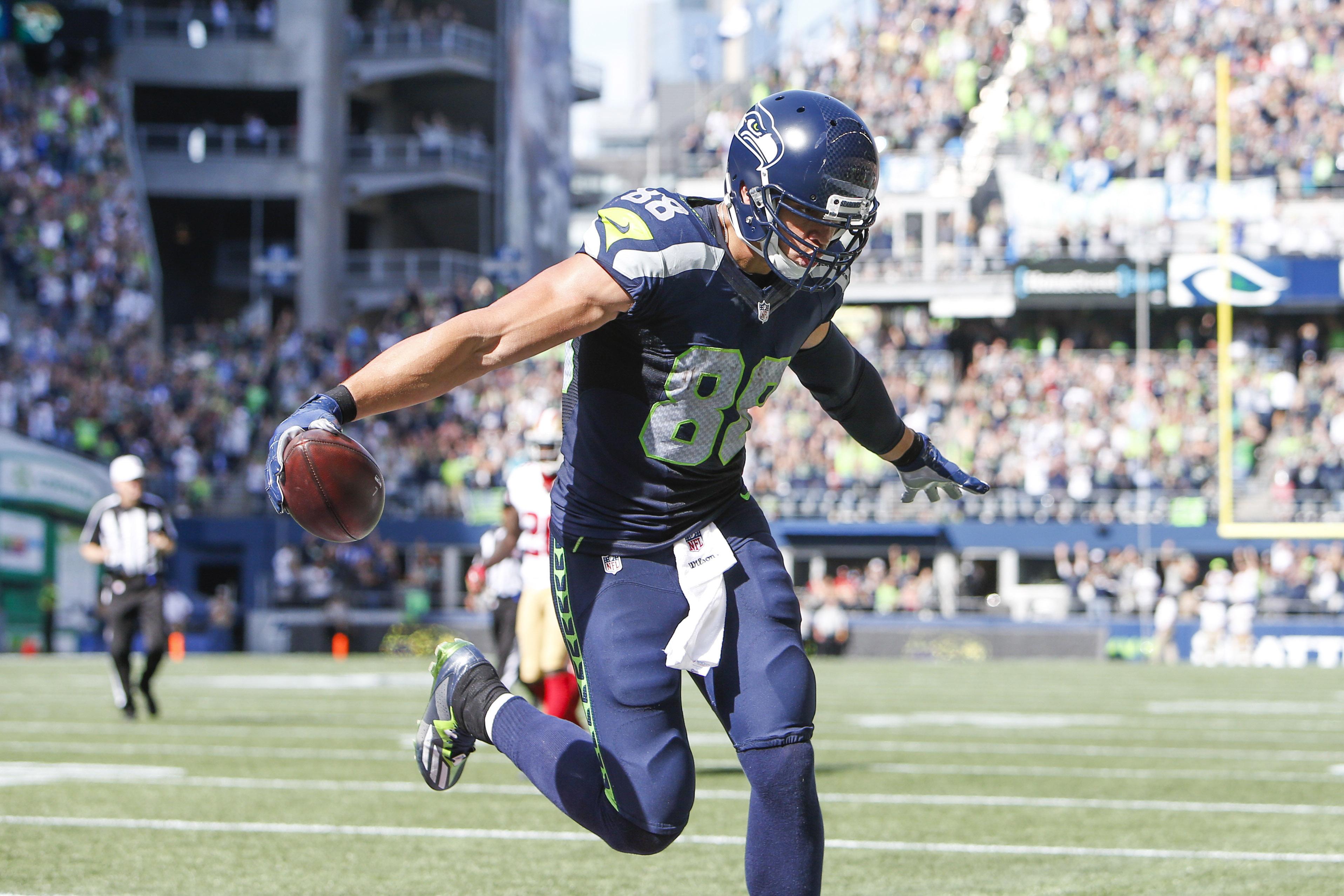 NFL Jersey's Women's Seattle Seahawks 12 Fan Nike Anthracite Salute to Service Limited Jersey