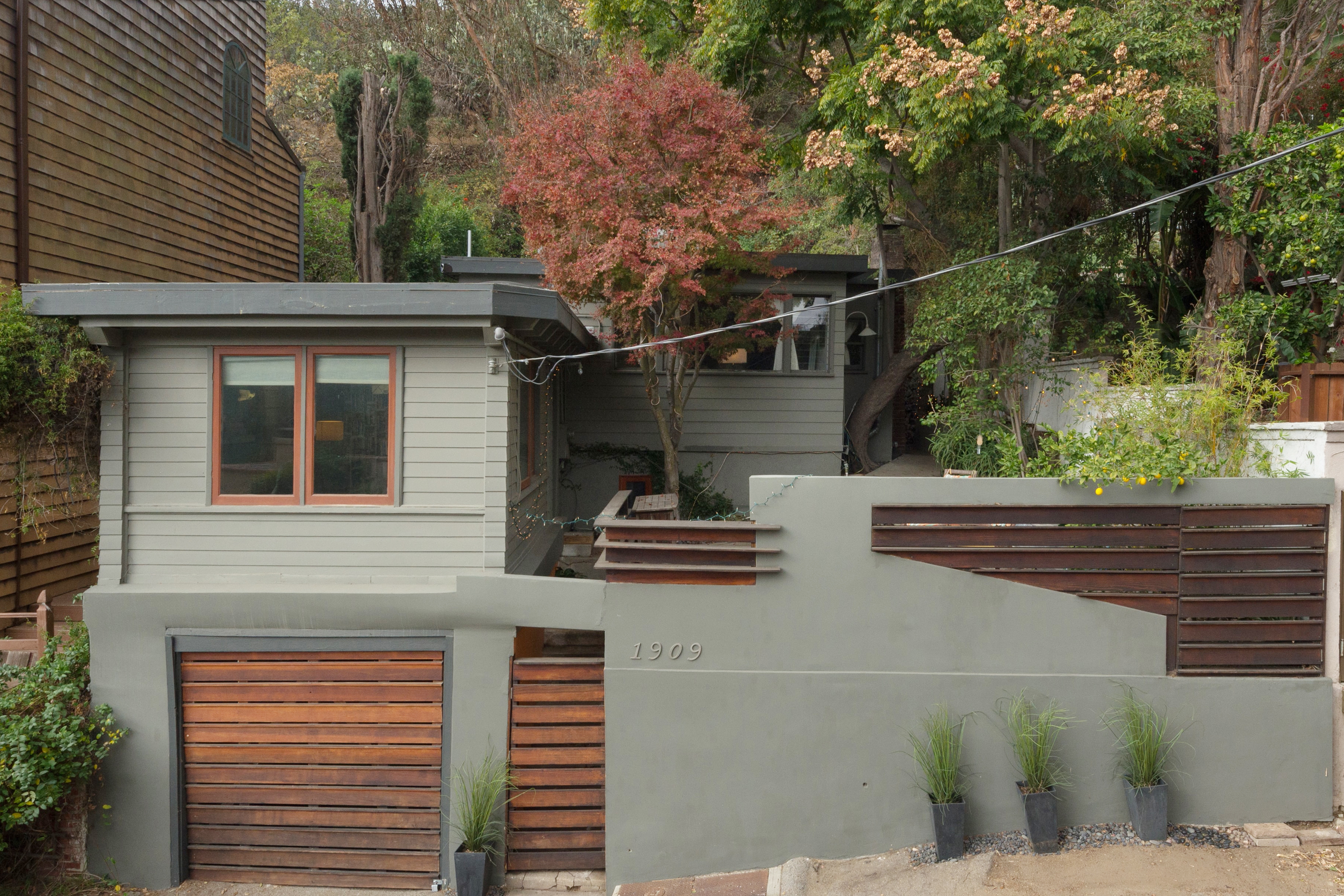 Spanish style abode in laurel canyon asking below 1 for Canyon house