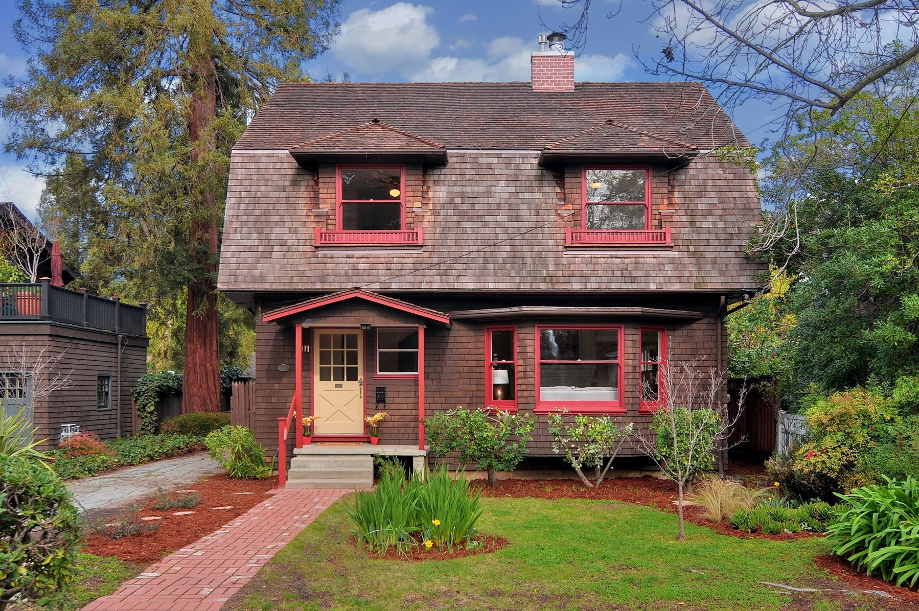 Yosemite 39 s firefall optical illusion is happening right for Colonial style houses for sale