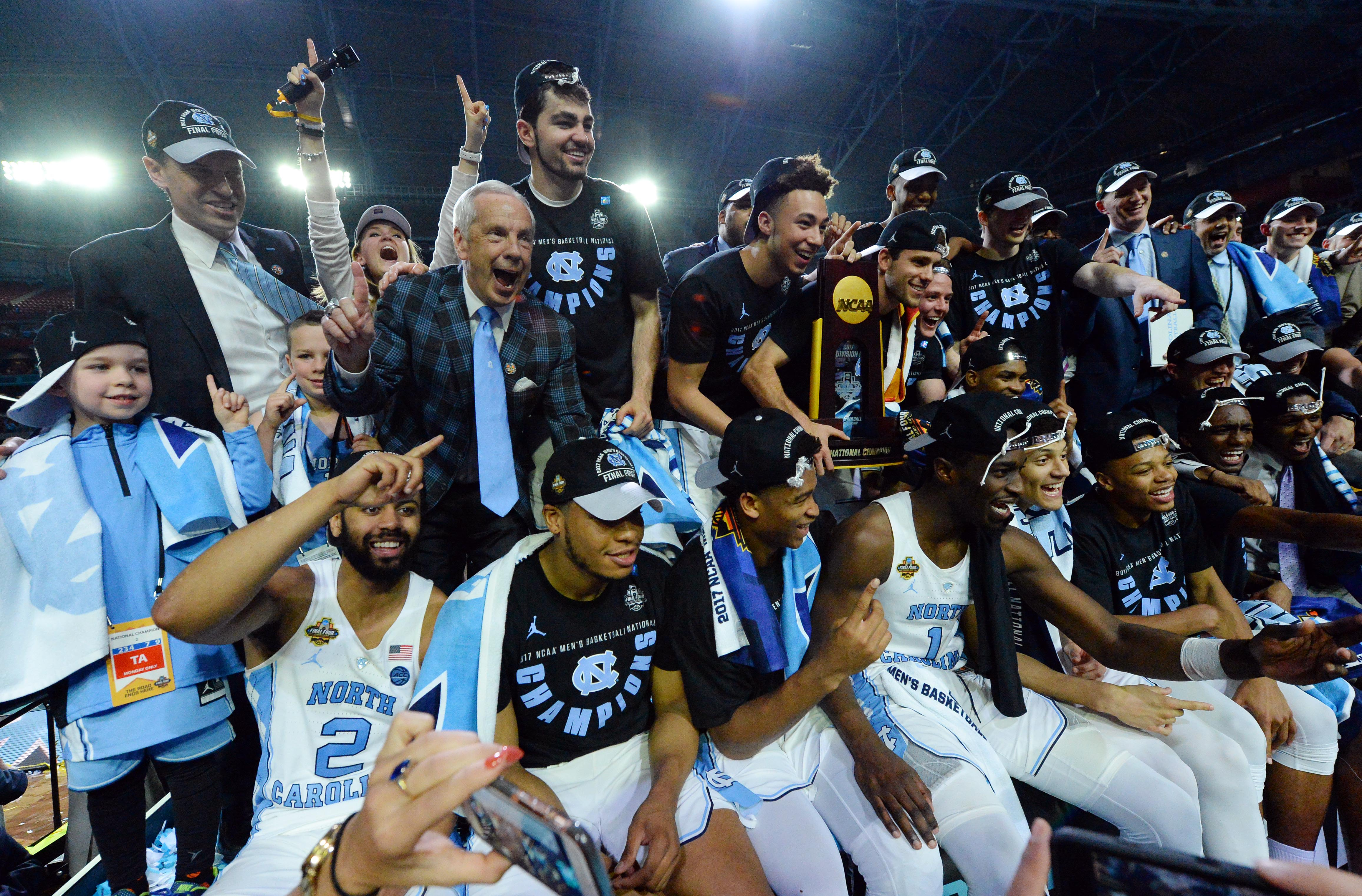 Highlights from the national championship gonzaga vs north carolina - Unc Beats Gonzaga To Claim 6th National Title The Heels And Zags Treated Us To An Incredible Title Game